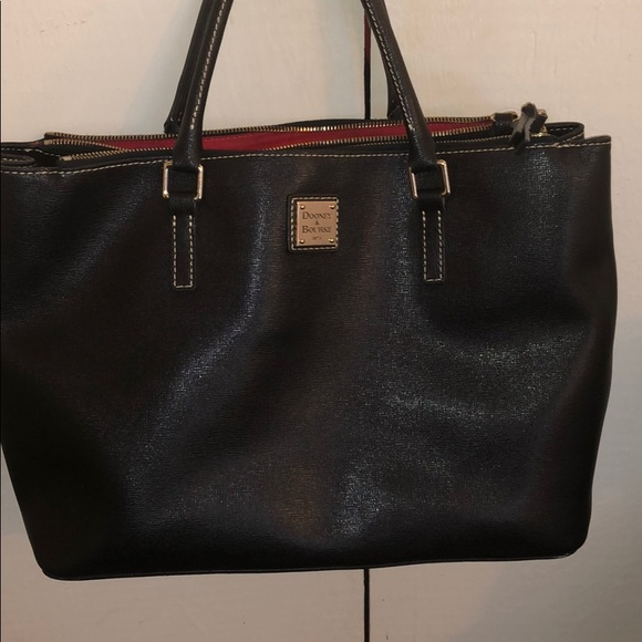 Dooney & Bourke Handbags - 💖Dooney & Bourke Tote💖